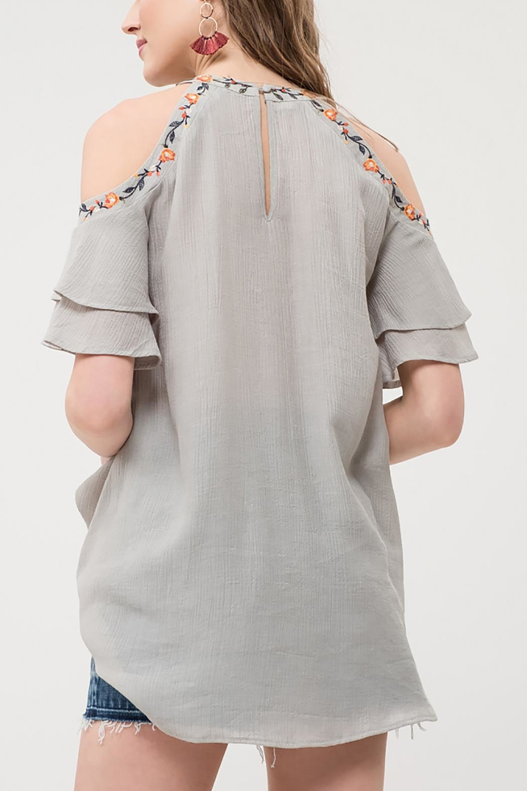 Blu Pepper Embroidered Ruffle Top - Side Cropped Image