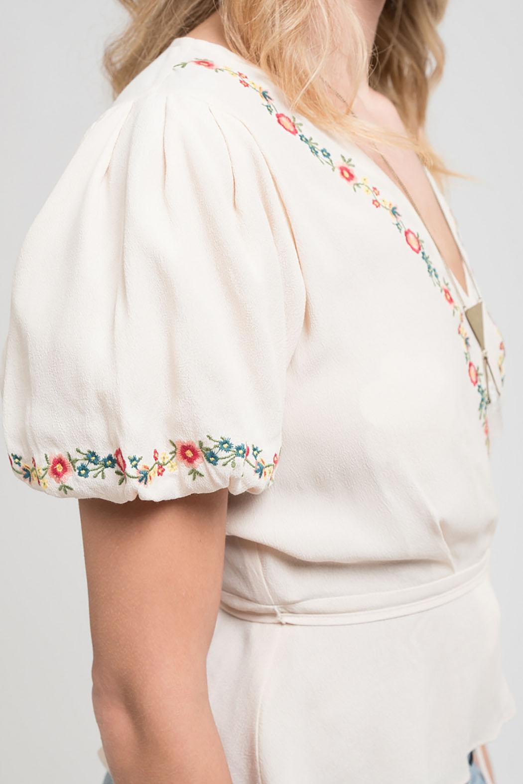 Blu Pepper Embroidered Woven Top - Side Cropped Image