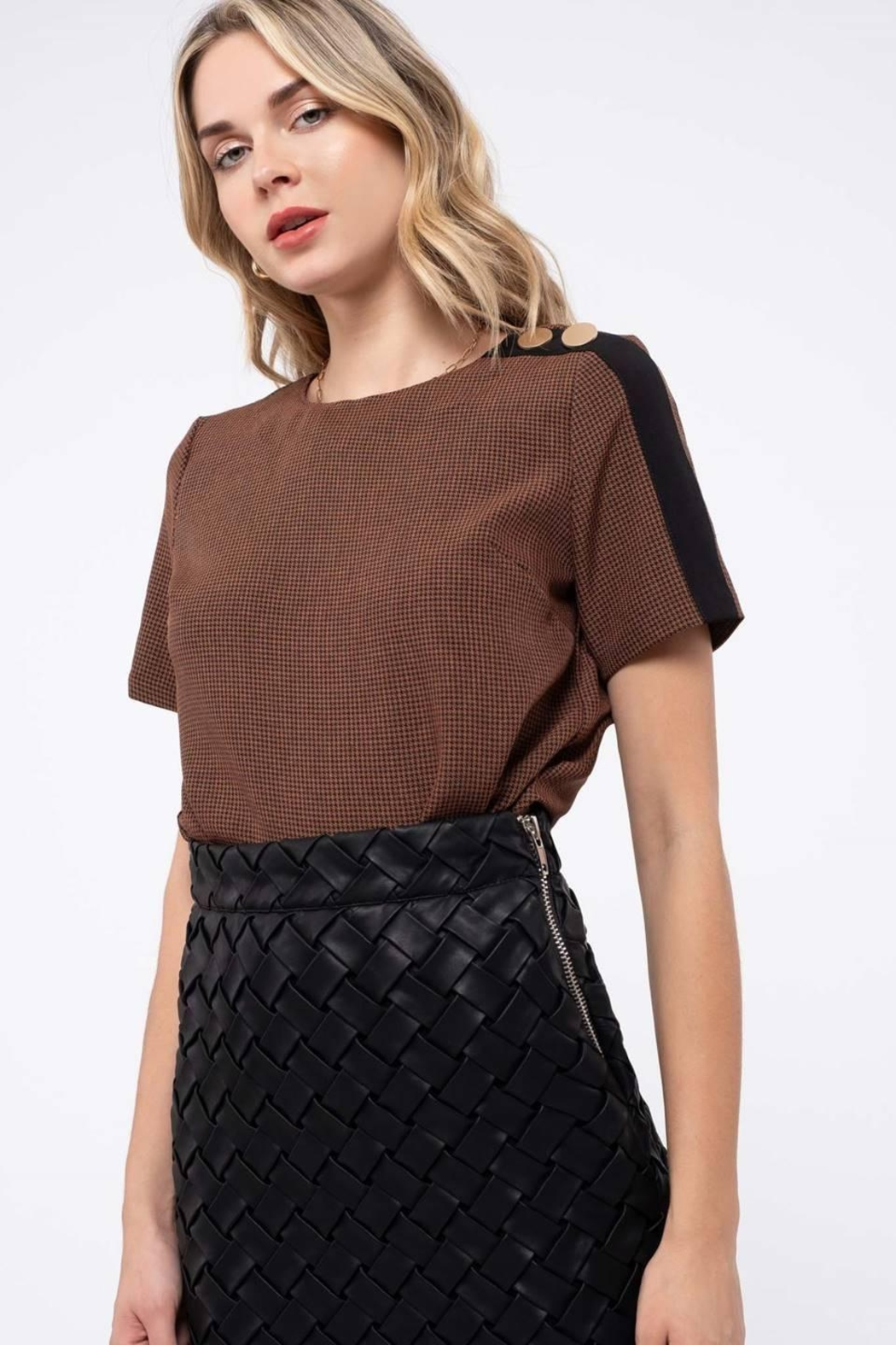 Blu Pepper Houndstooth Top - Side Cropped Image