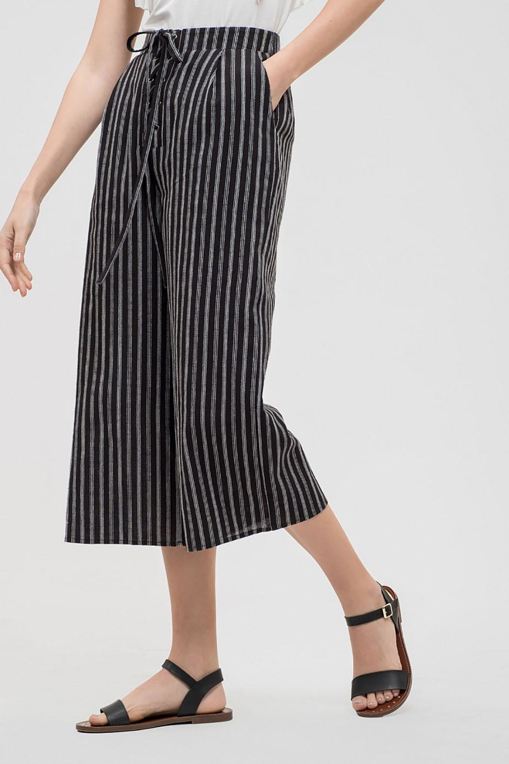 Blu Pepper Striped Drawstring Capris - Side Cropped Image