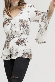 Blu Pepper White Floral Blouse - Side cropped