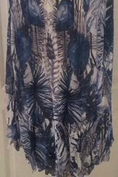 Clotheshead Blue and ivory layered printed tunic top - Alternate List Image