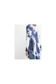 RAE MODE Blue and white asymmetrical tie dye long sleeve knit - Front full body