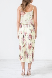 Urban Touch Blue Floral Dress - Side cropped