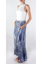 En Creme Blue Paisley Pants - Front full body