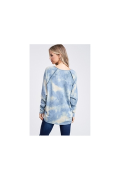 White Birch Blue tie dye soft knit top  with raglan sleeves and high low hemline - Alternate List Image
