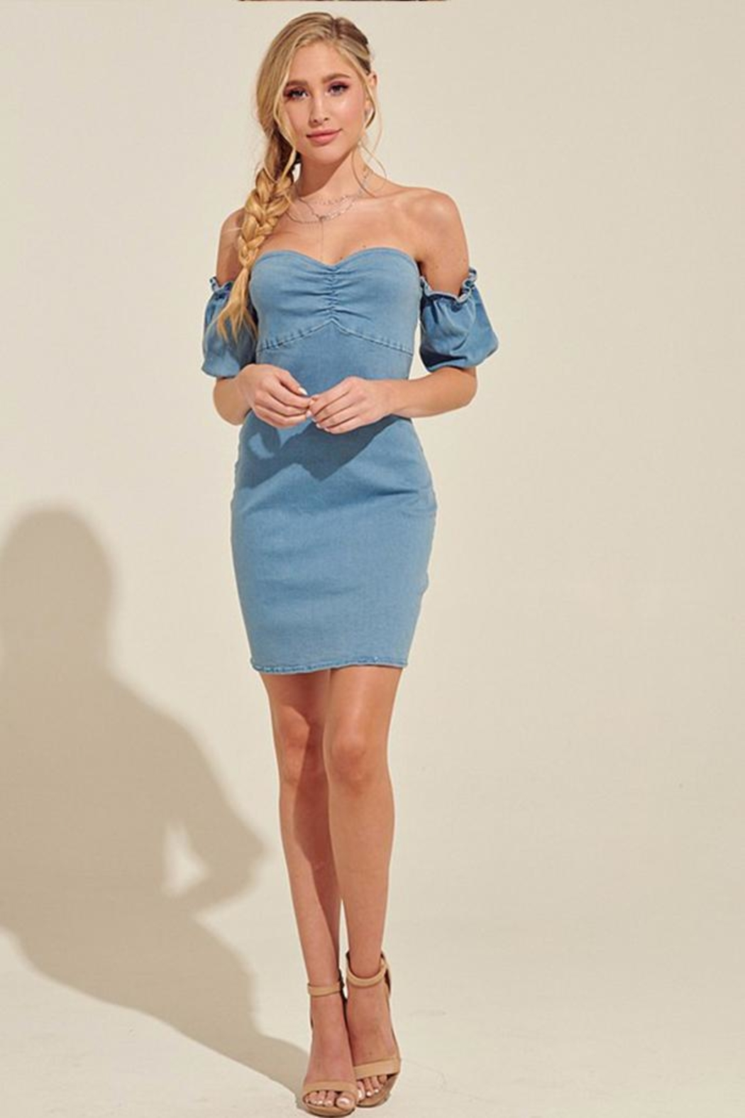 blue blush Off-The-Shoulder Denim Dress - Side Cropped Image