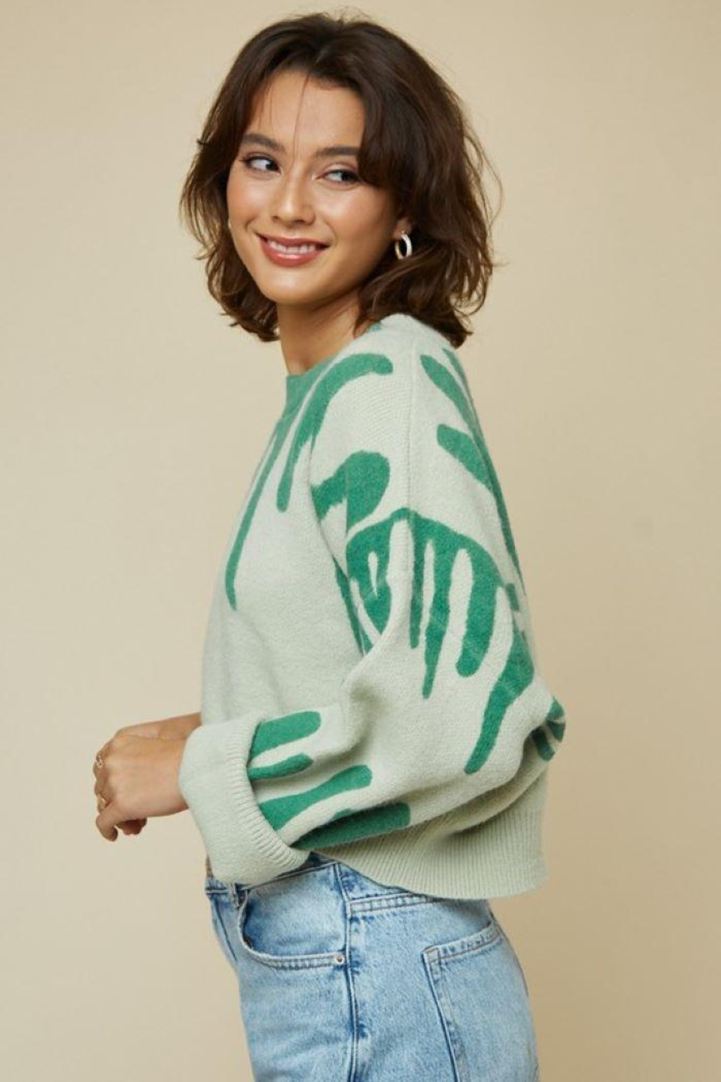 blue blush Round Neck Printed Sweater Crop Top - Side Cropped Image