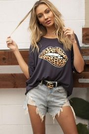 Blue Buttercup Leopard Lip Printed Loose Top - Product Mini Image