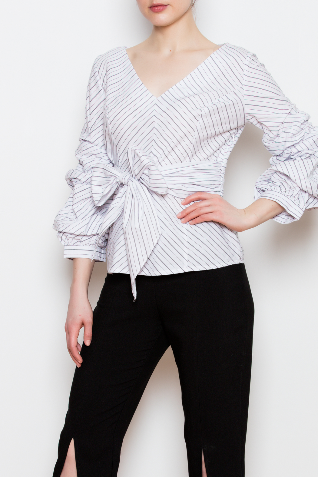 Blvd Puff Sleeve Top - Side Cropped Image