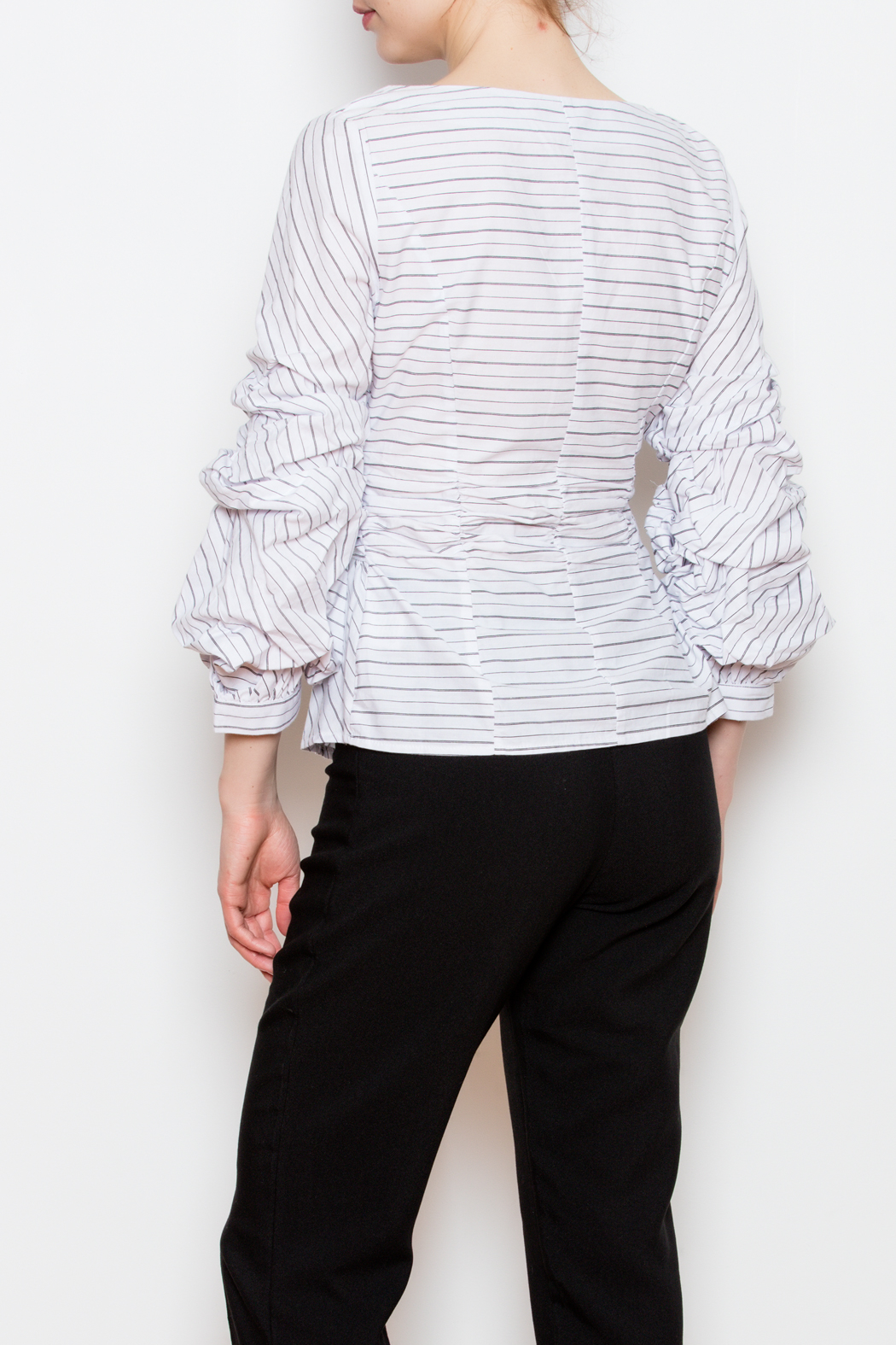 Blvd Puff Sleeve Top - Back Cropped Image