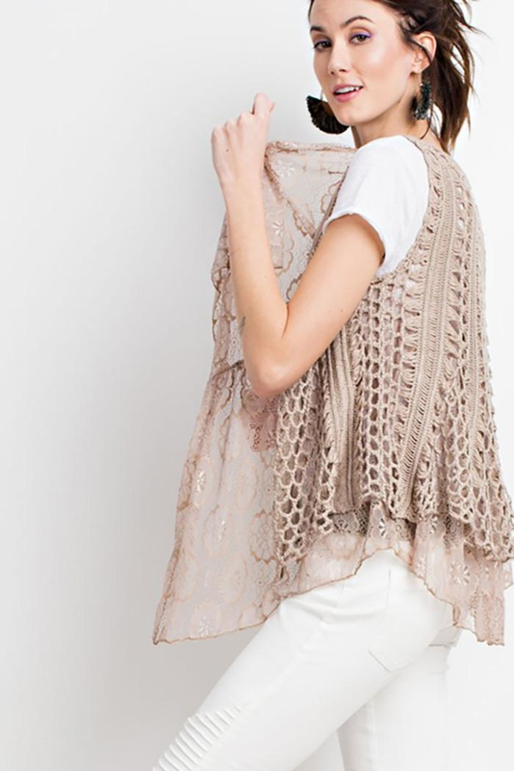 easel Boho Layered Vest - Side Cropped Image