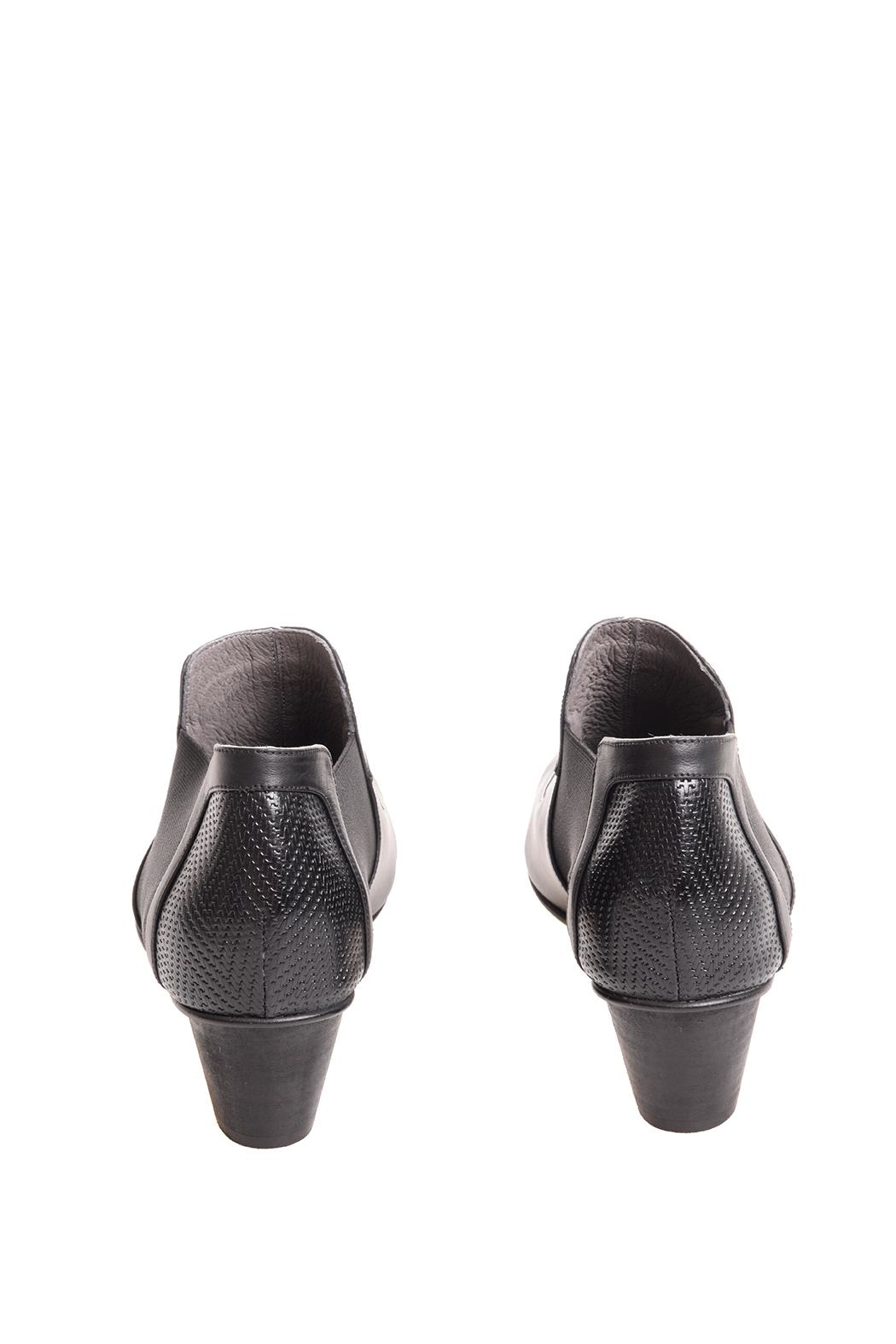Bottega Bash Black Leather Booties - Side Cropped Image