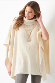 Charlie Paige  Boucle yarn Poncho - Front cropped