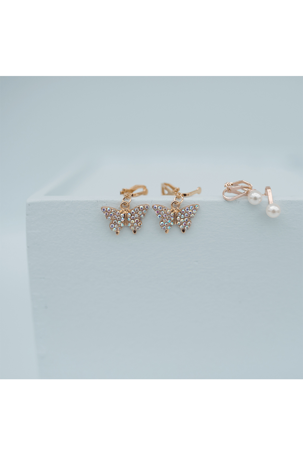 Great Pretenders  Boutique Butterfly Clip On Earrings Set - Side Cropped Image