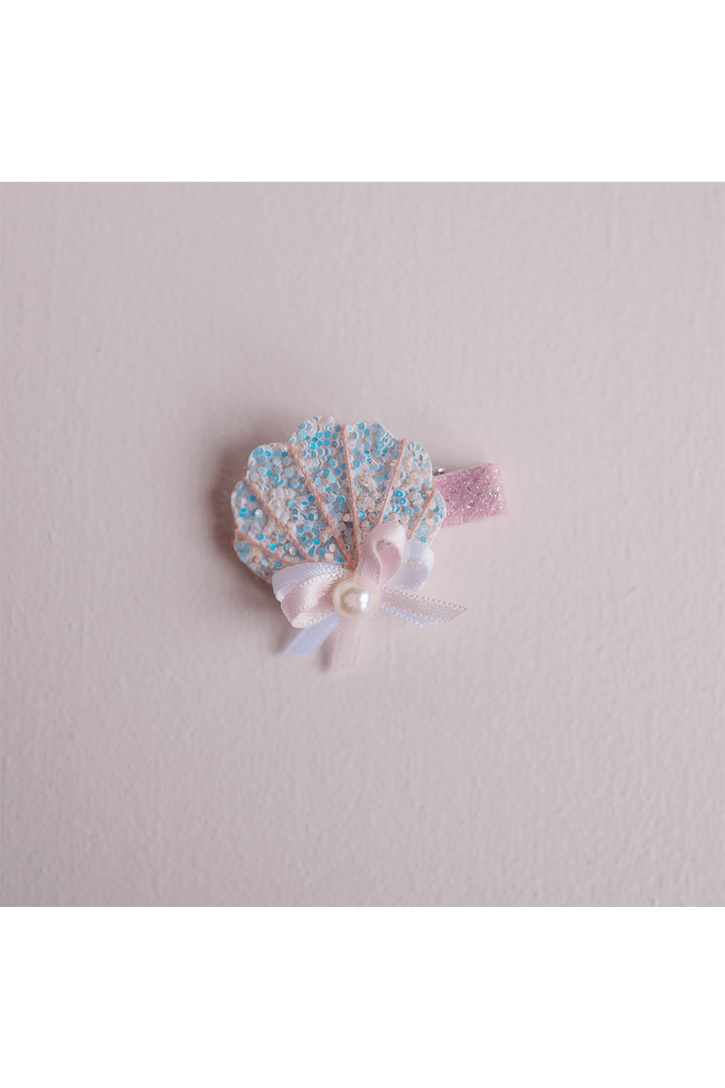 Great Pretenders  Boutique Sparkle Shell Hair Clip - Main Image