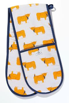 BRAW SCOTLAND Highland Cow Oven Mitts - Alternate List Image
