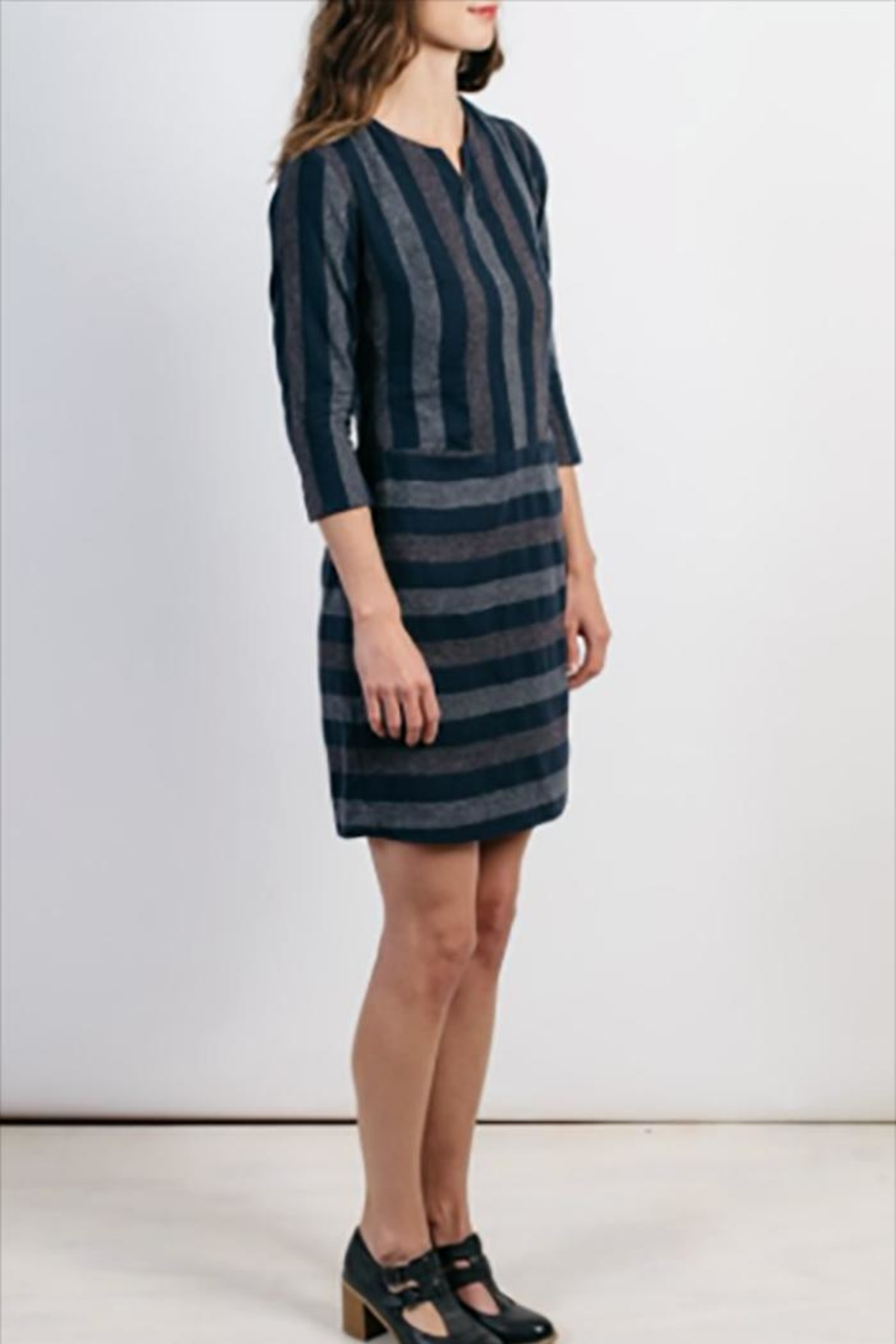 Bridge & Burn Caroline Dress Navy - Side Cropped Image