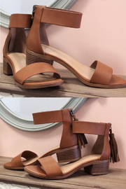 fortune dynamic Briefly Tassel Sandals - Front cropped