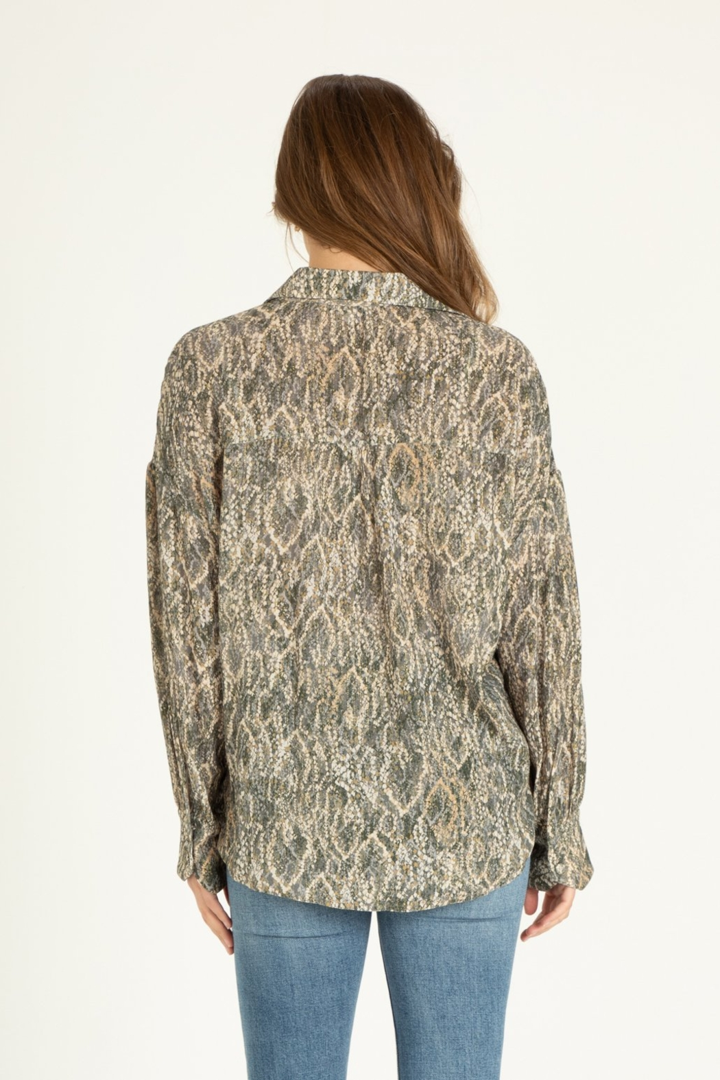 another love  Brittany diamondback print blouse - Back Cropped Image