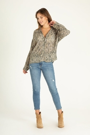 another love  Brittany diamondback print blouse - Side cropped