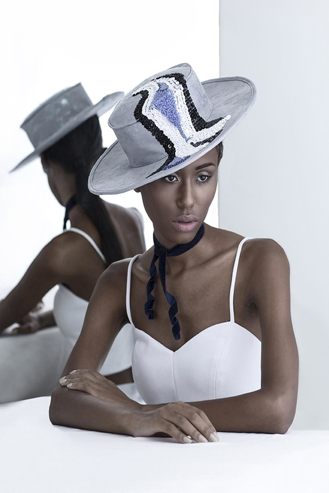 Bruna Abreu Lucky Wave Hat - Side Cropped Image