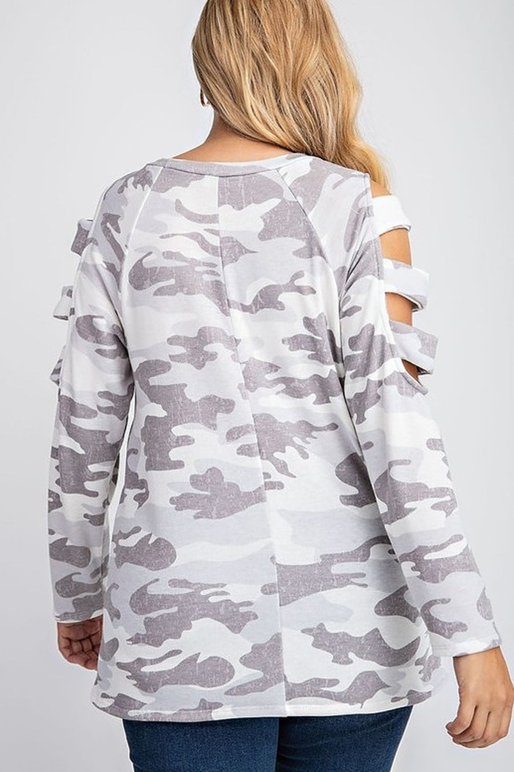 143 Story BRUSHED CAMO PRINT TOP - Back Cropped Image