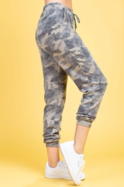 143 Story Brushed Camo Sweatpants - Side cropped
