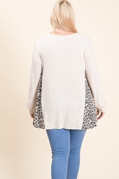Lovely Melody Brushed Cashmere Animal Contrast Print Plus Size Tunic - Alternate List Image