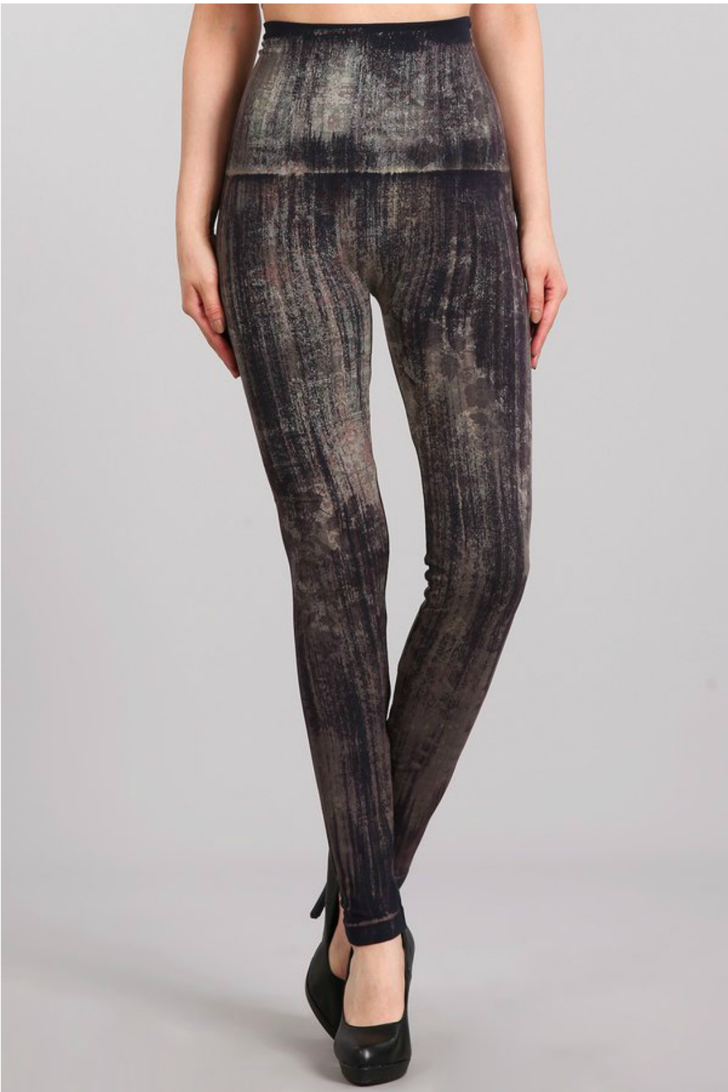 M. Rena Brushed Moroccan Damask Sublimation legging - Front Cropped Image