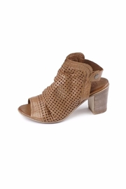 Bueno Shoes Udo Heel Sandal - Front cropped