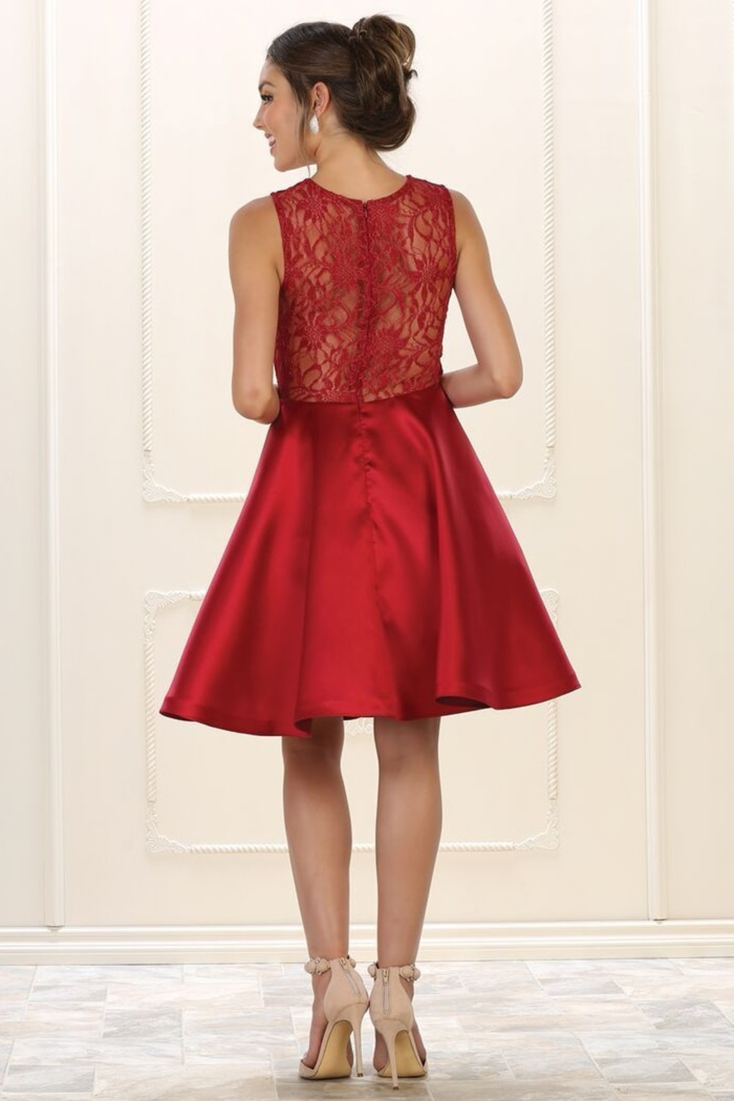 May Queen  Burgundy Lace Layered Formal Short Dress - Side Cropped Image