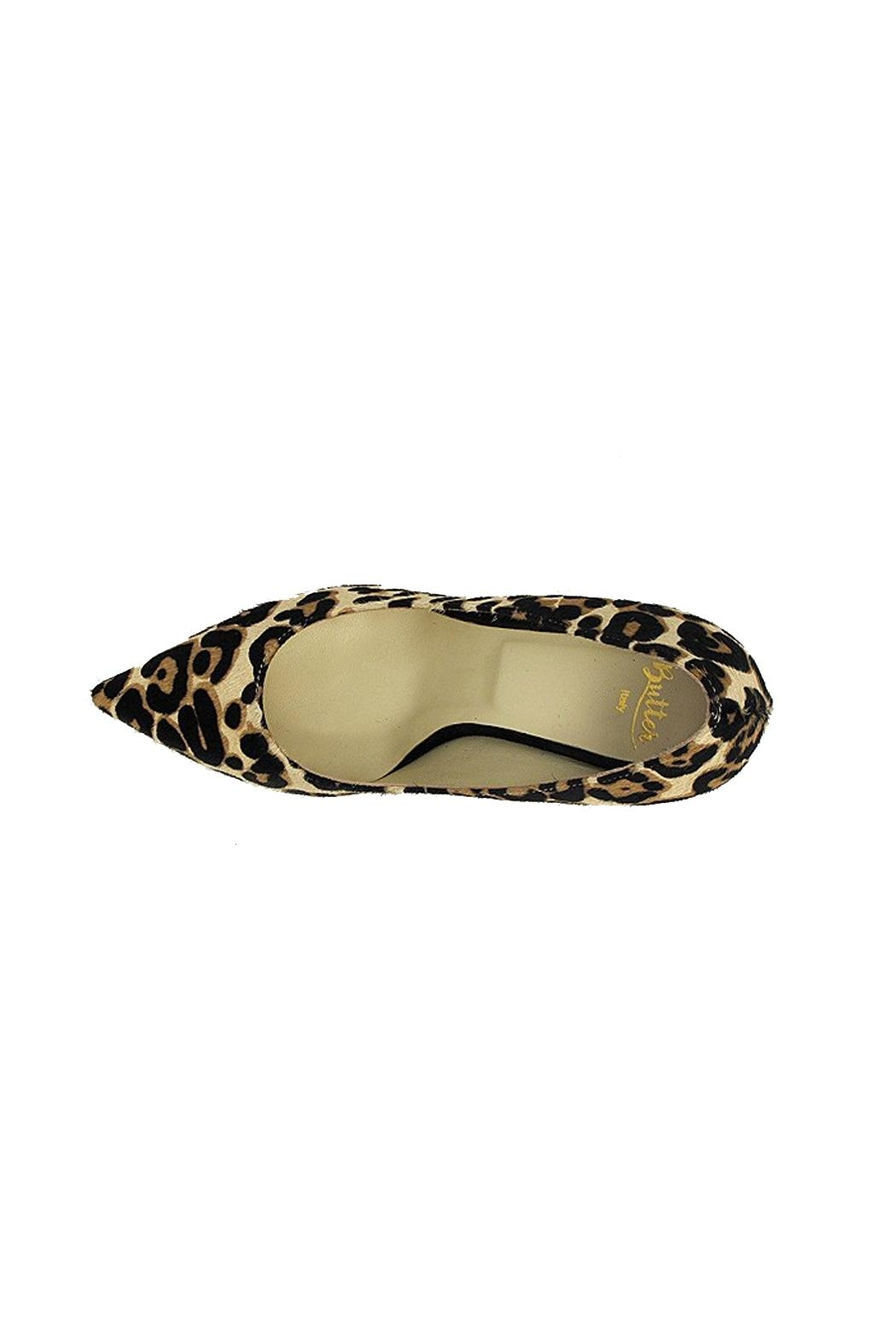 Butter Champagne Leopard Pump - Side Cropped Image