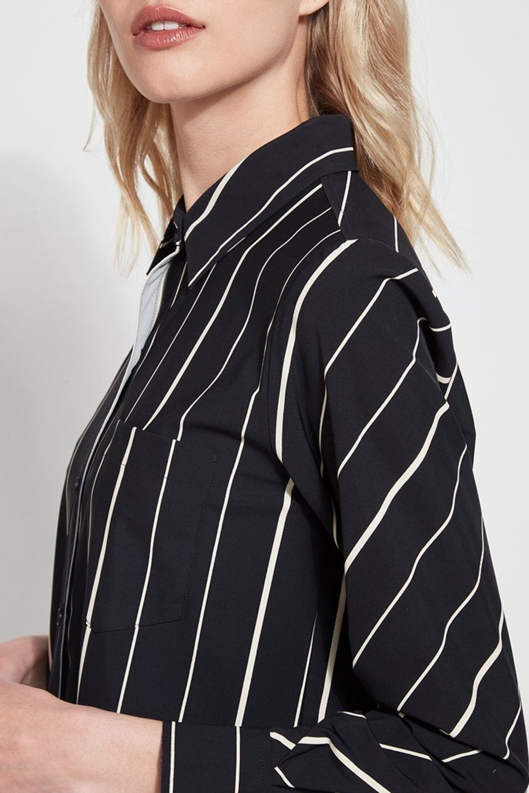 Lysse Button Down Swing Shirt - Side Cropped Image