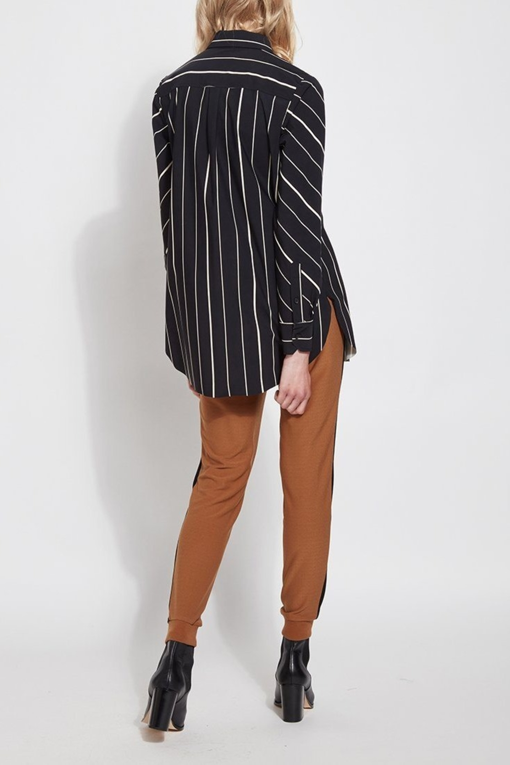 Lysse Button Down Swing Shirt - Back Cropped Image