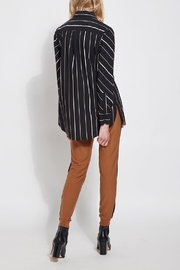 Lysse Button Down Swing Shirt - Back cropped