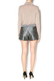 By Smith Moma Shorts - Side cropped