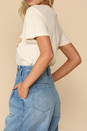 By Together Chin-Up Buttercup Tee - Side cropped