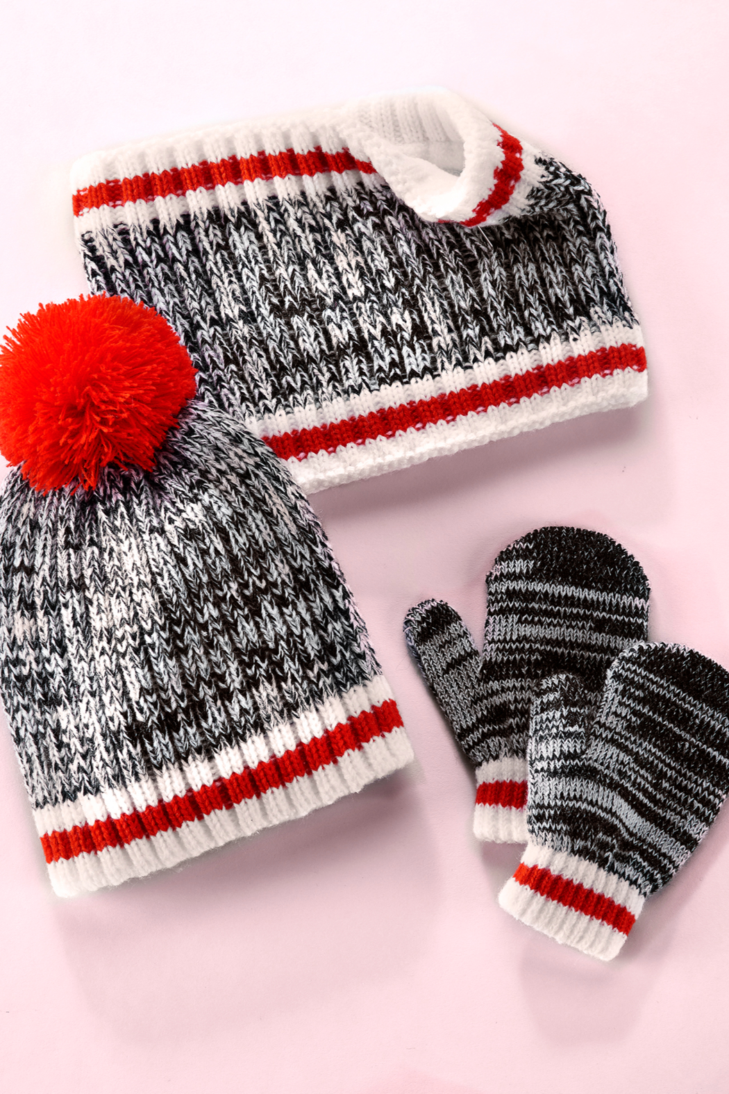 Giftcraft Inc.  Cabin Winter Accessories (Set of 3) - Side Cropped Image