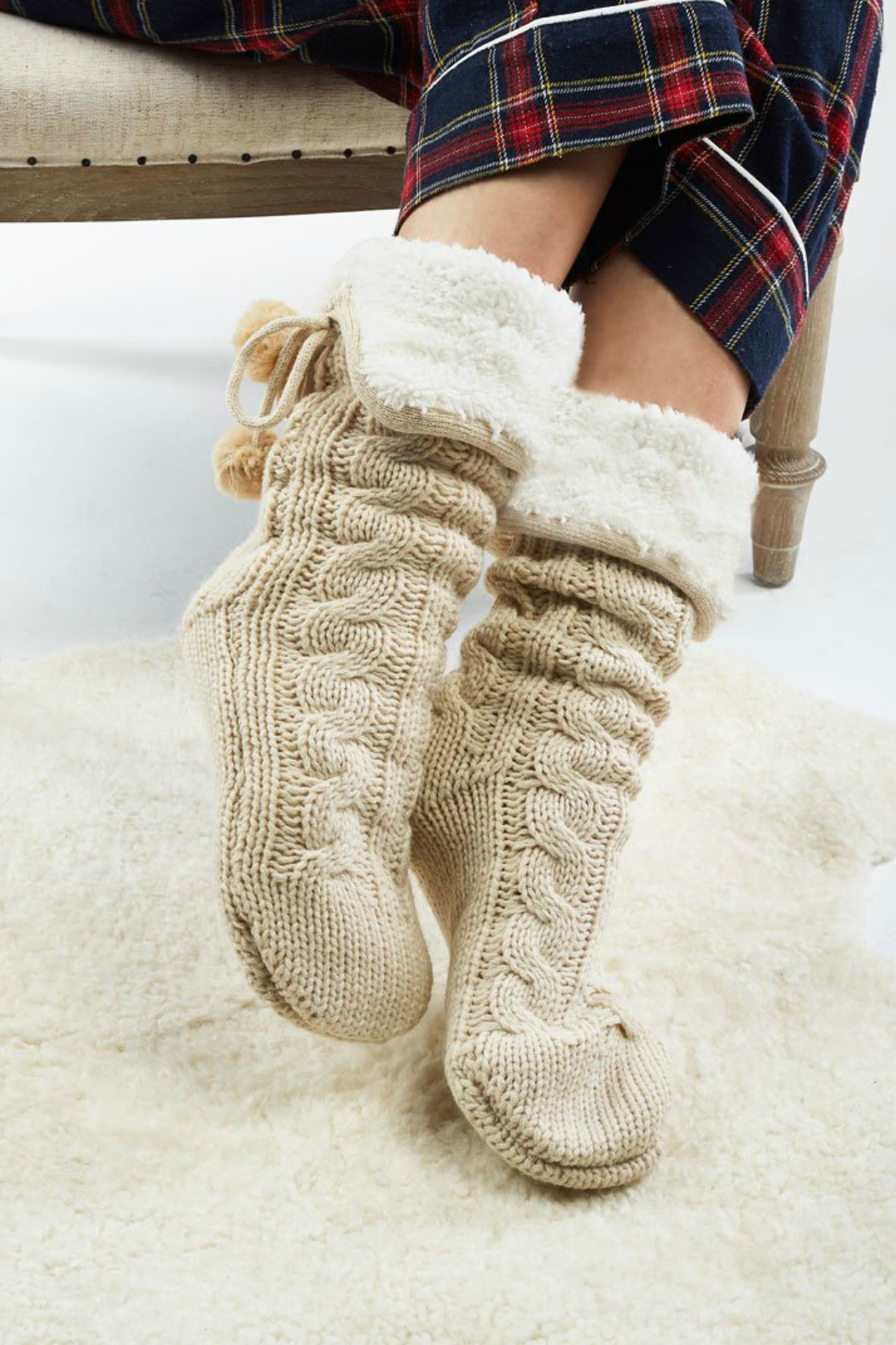 Look by M Cable knit slipper socks - Front Cropped Image