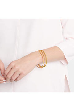 Julie Vos Calypso Stacking Bangle Gold-Small - Alternate List Image