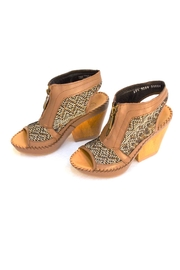 Lobo Solo Camel Open-Front-Back Heel - Product Mini Image