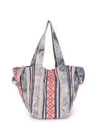 America & Beyond Camelia Wild Dove Tote - Front cropped