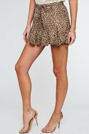 LLove USA Cameron Leopard Shorts - Side cropped