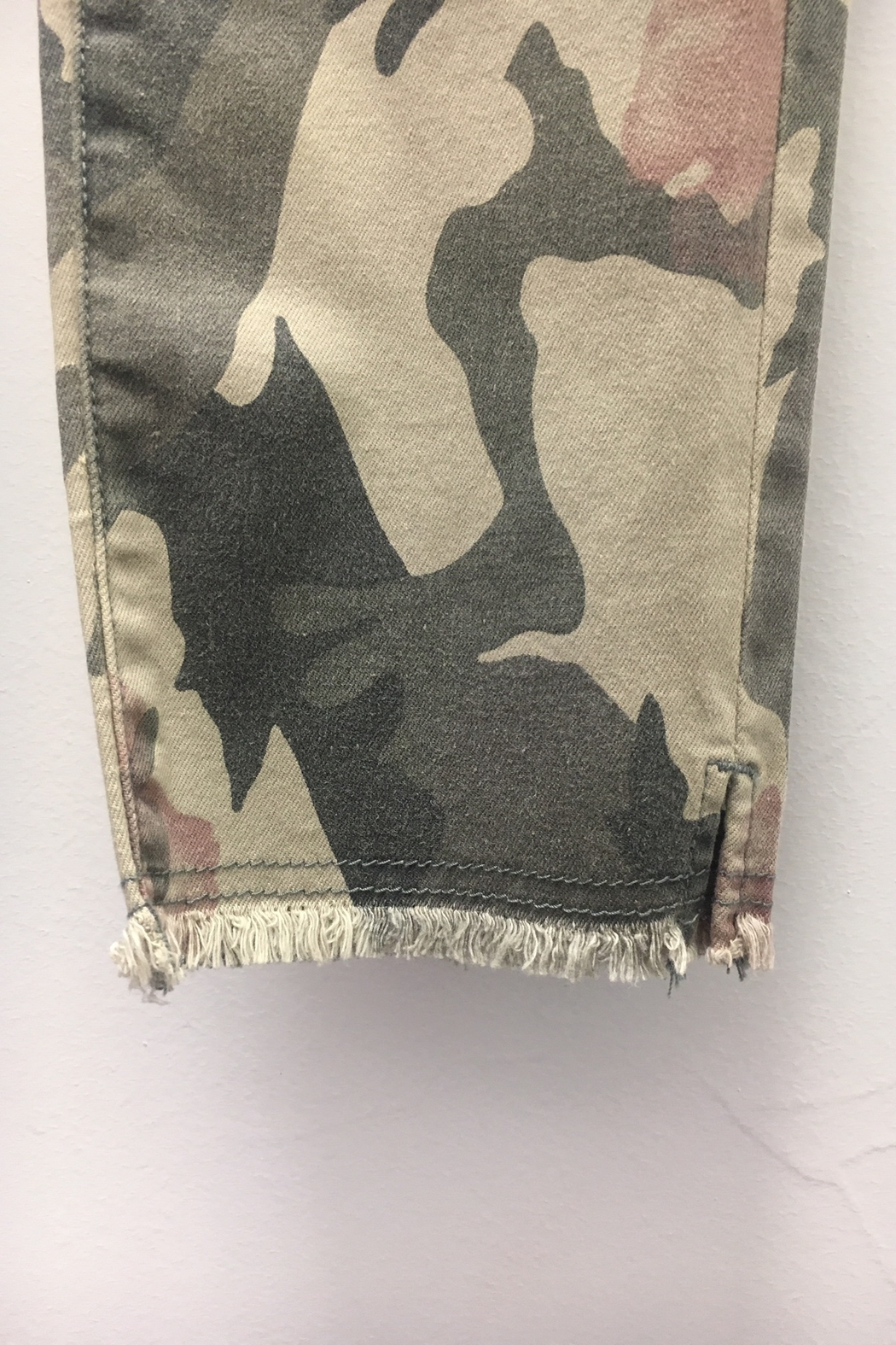 Charlie B Camo Floral Pant - Side Cropped Image