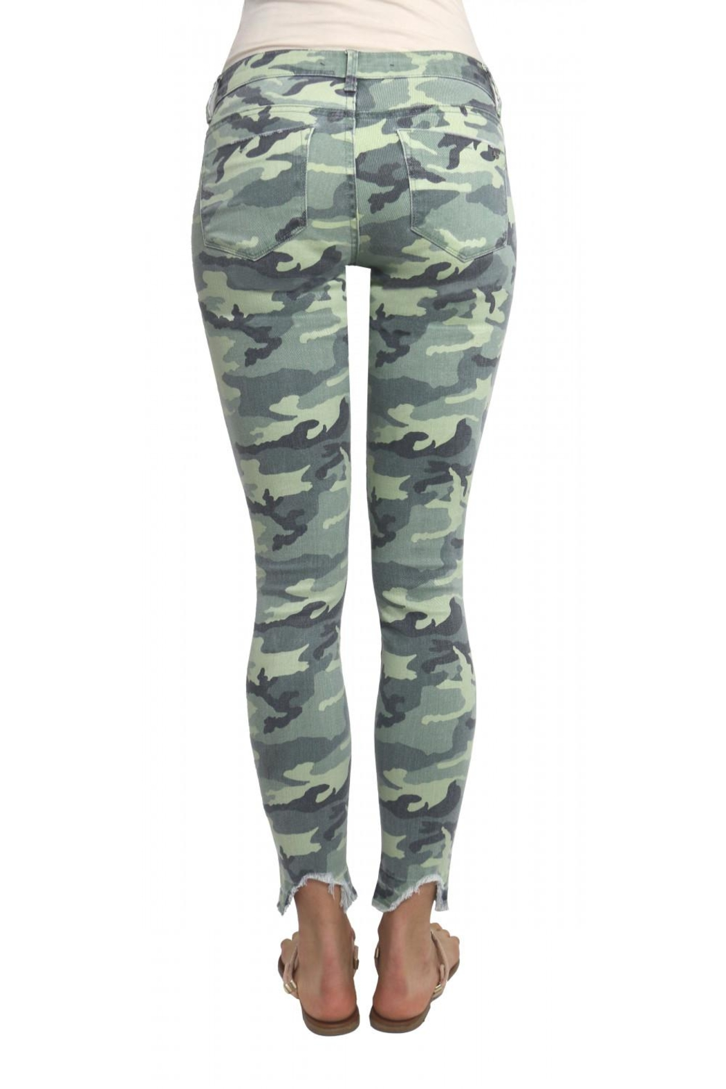 Tractr Camo Jeans - Side Cropped Image