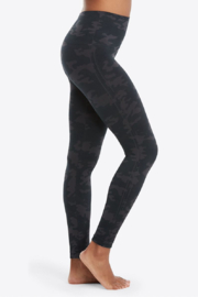 Spanx Camo Look At Me Now Seamless Legging - Product Mini Image