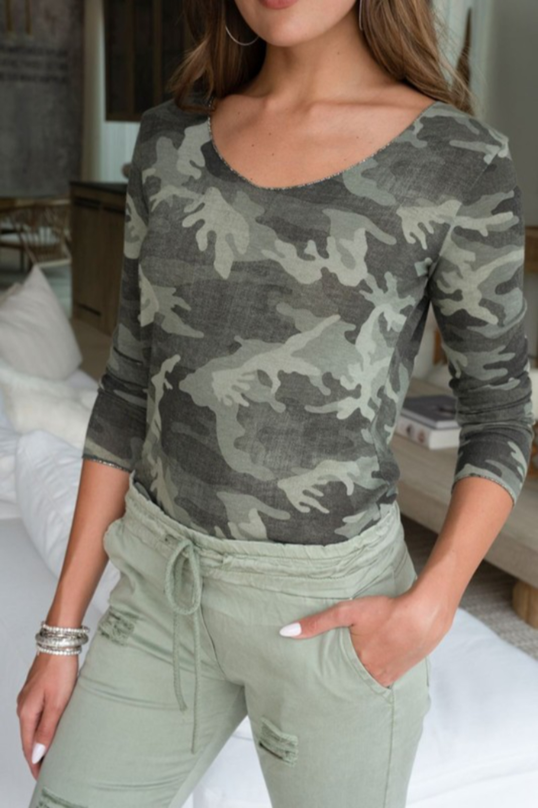 Venti 6 Camo Top - Front Cropped Image