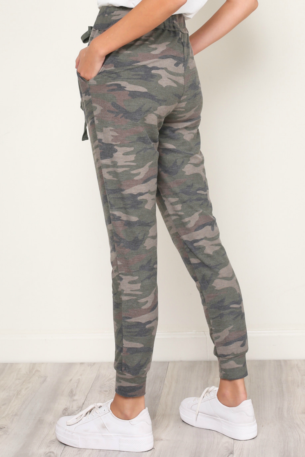 Mustard Seed  CAMOUFLAGE JERSEY JOGGER - Side Cropped Image