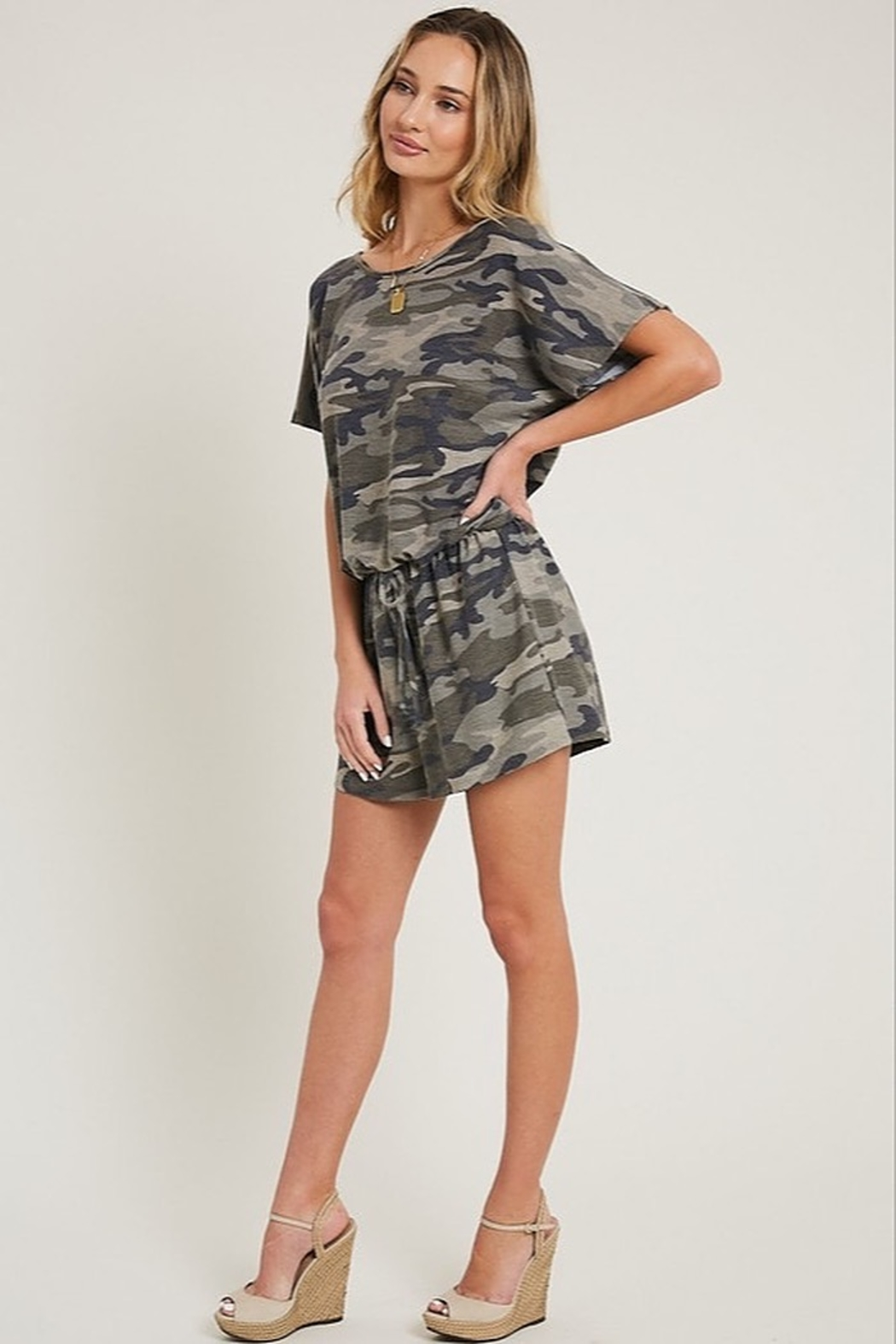 eesome Camouflage Romper - Side Cropped Image